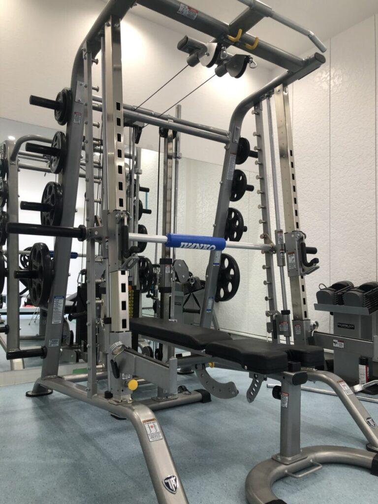 トレーニングマシン